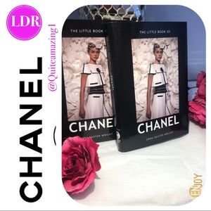 CHANEL The Little Book of CHANEL Fashion Pages